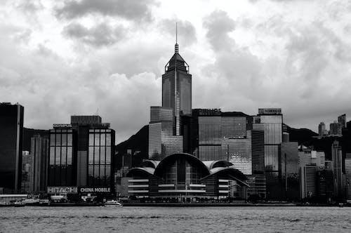 Безкоштовне стокове фото на тему «архітектура, будівлі, відтінки сірого»