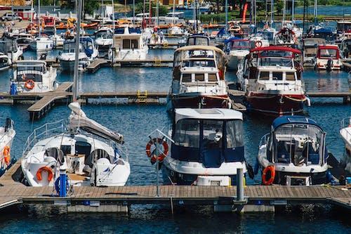 Ilmainen kuvapankkikuva tunnisteilla huvijahdit, portviini, satamalaituri, valtameri