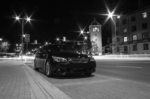 Gratis arkivbilde med bil, by, gate, lang eksponering