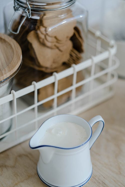 Darmowe zdjęcie z galerii z ceramiczny, ciastka, drink