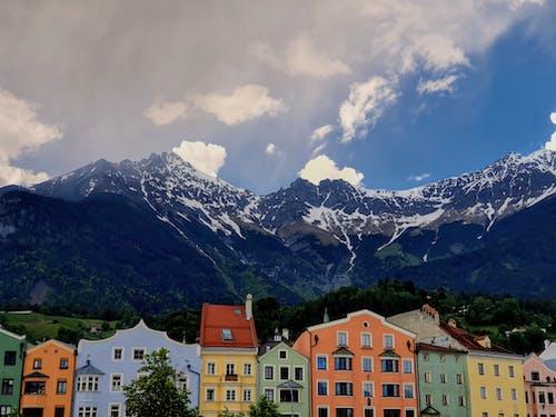 Gratis lagerfoto af arkitektur, bjerg, bjergtinde