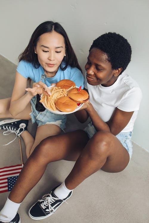 Darmowe zdjęcie z galerii z 4 lipca, afroamerykanka, azjatka