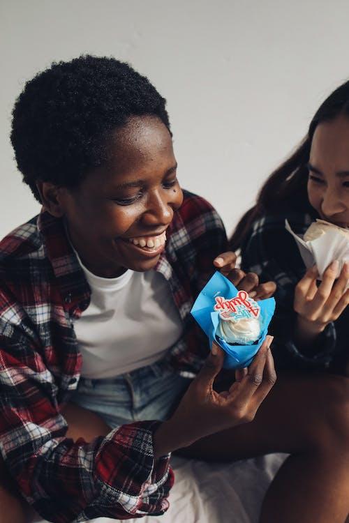 Gratis stockfoto met 4th of july, Afro-Amerikaanse vrouw, blij