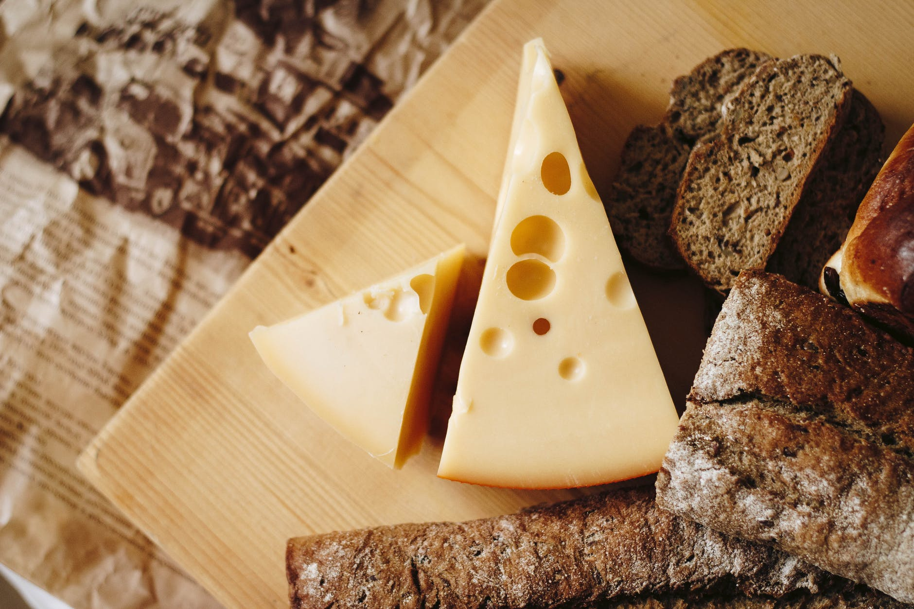 Mice in fact do not like cheese. In the 1500s, cheese could be found in almost every house, even that of the poor, with no other choices of food around, mice would eat the cheese.