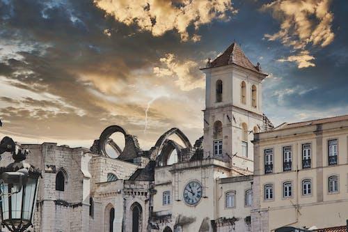 Foto profissional grátis de arquitetura, arquitetura histórica, grande relógio
