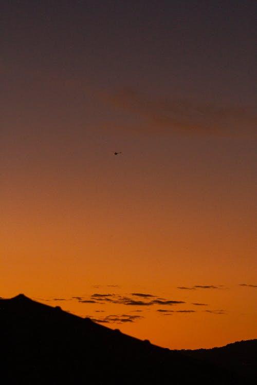 Kostnadsfri bild av bakgrundsbelyst, berg, dagsljus
