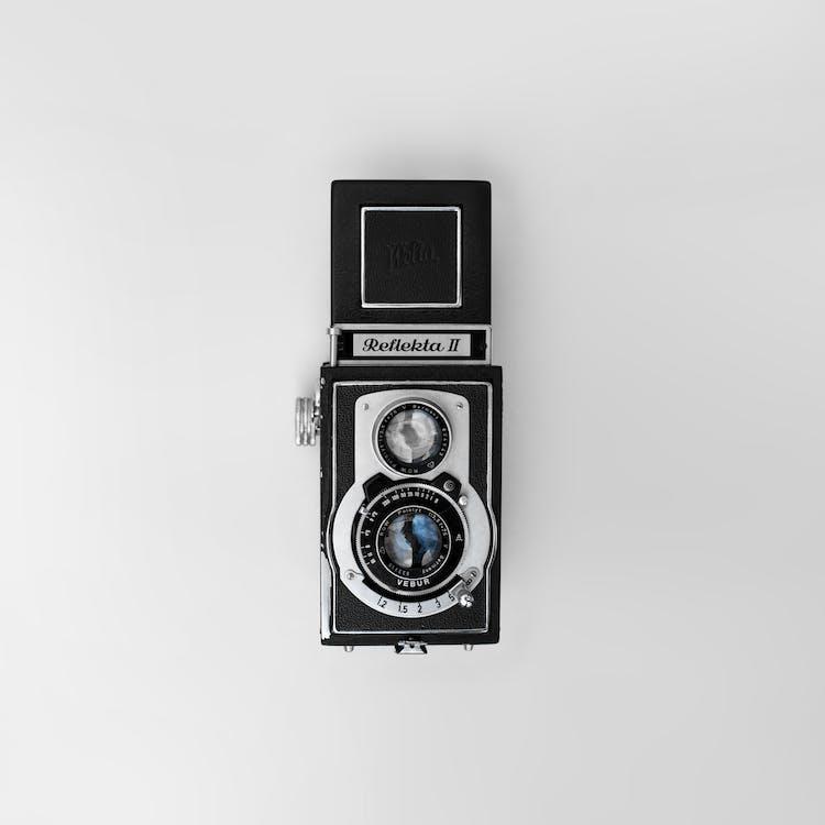 Gray and Black Raketa 2 Trail Camera