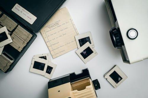 Kostenloses Stock Foto zu beamer, drinnen, elektrik, elektronik