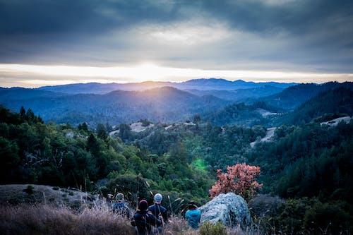 Gratis lagerfoto af bjerge, dagslys, eventyr, folk