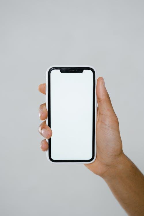 Безкоштовне стокове фото на тему «iPhone, дисплей, макет»