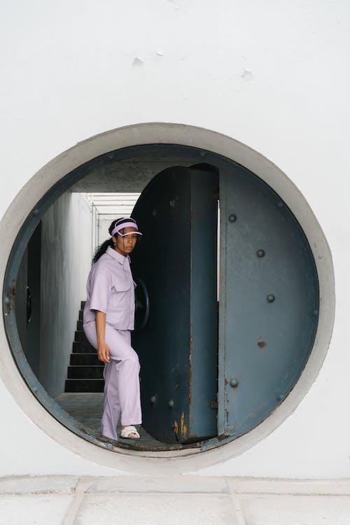 Photos gratuites de à côté de, bunker, debout