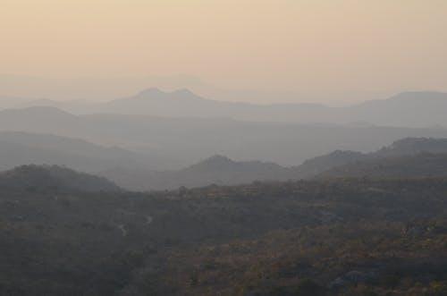山脈の無料の写真素材