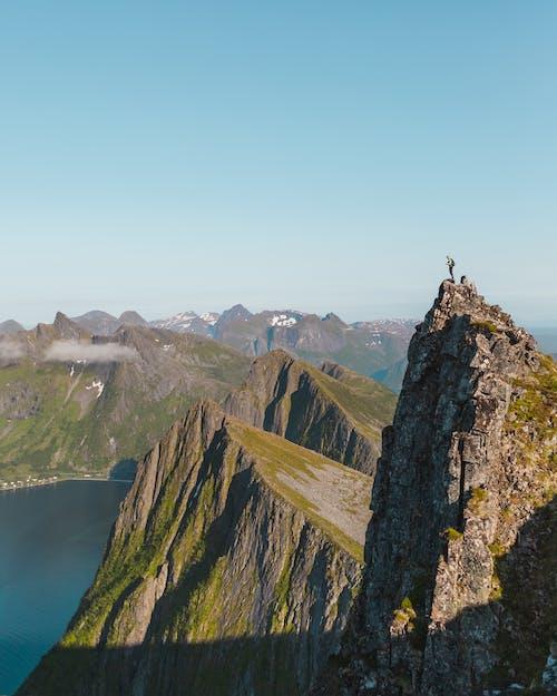 Безкоштовне стокове фото на тему «альпініст, високий, вода»