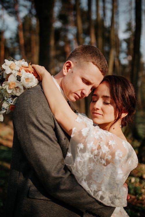 Immagine gratuita di abbraccio, affetto, amore
