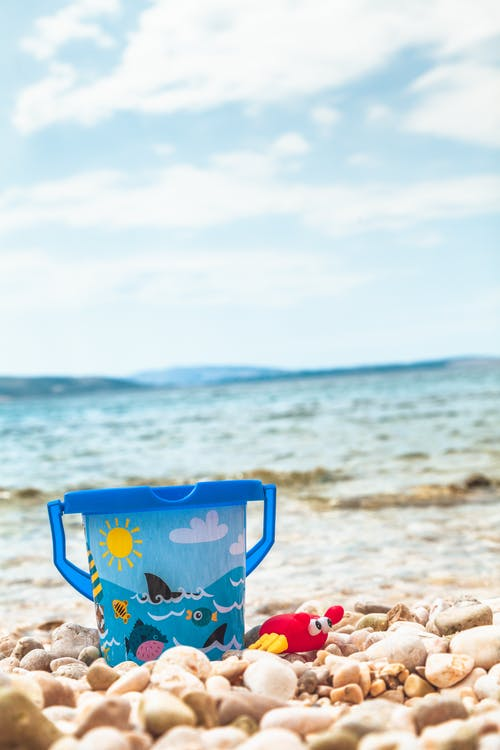 Бесплатное стоковое фото с бирюзовый, ведро, вода