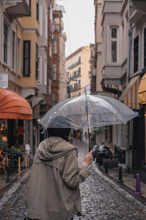 Fotobanka sbezplatnými fotkami na tému architektúra, búrka, centrum mesta
