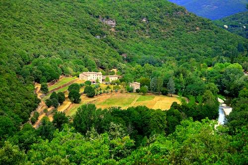 Gratis stockfoto met akkerland, berg, bird's eye view, boerderij