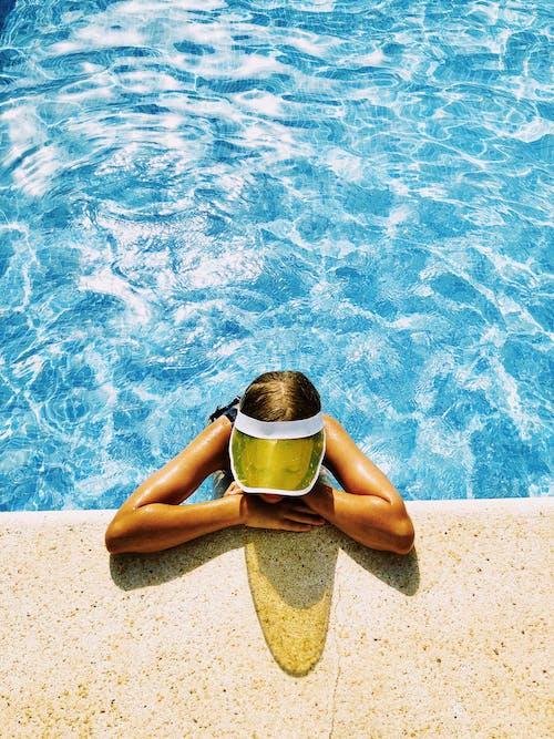 Безкоштовне стокове фото на тему «блакитна вода, вертикальні постріл, відпочинок»