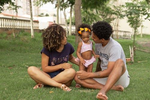 Gratis stockfoto met aanbiddelijk, afro, afro kapsel