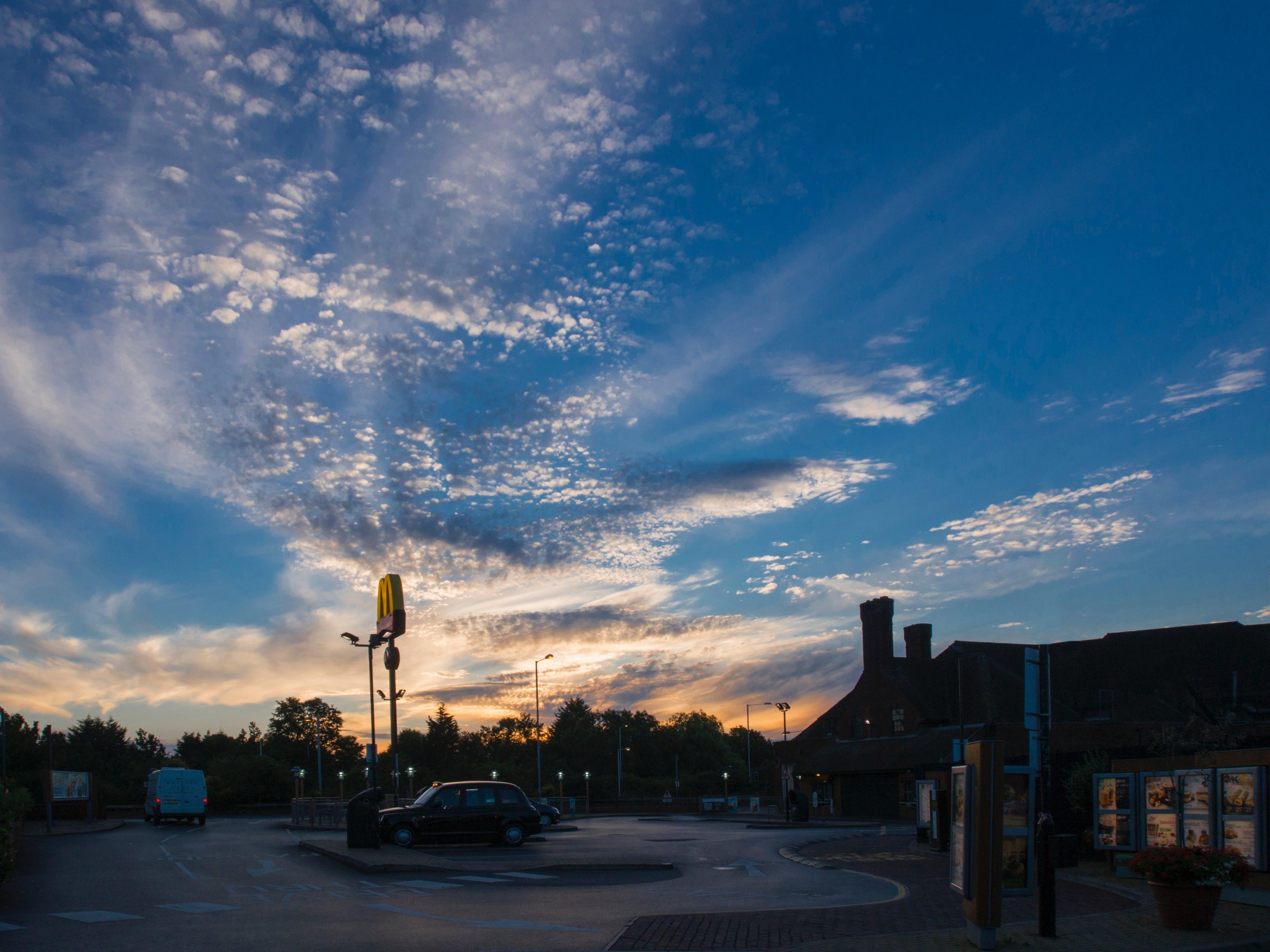 倫敦, 停車場, 天空, 建造 的 免费素材照片