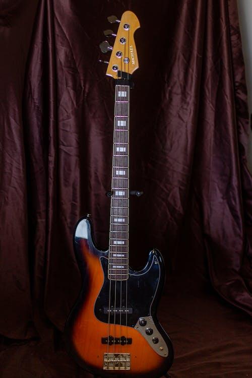 Kostnadsfri bild av akustisk gitarr, band, bas
