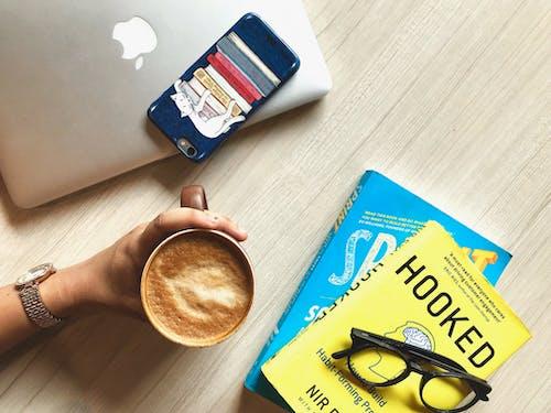 Fotos de stock gratuitas de café, cafeína, copa, iphone