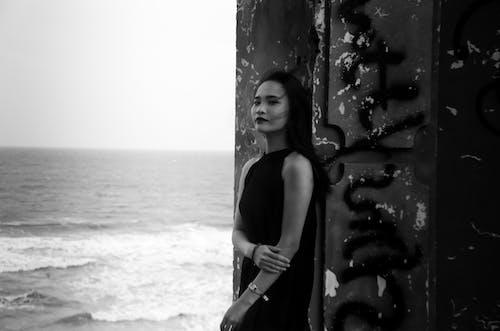 Darmowe zdjęcie z galerii z dziewczyna, kobieta, ładny, morze
