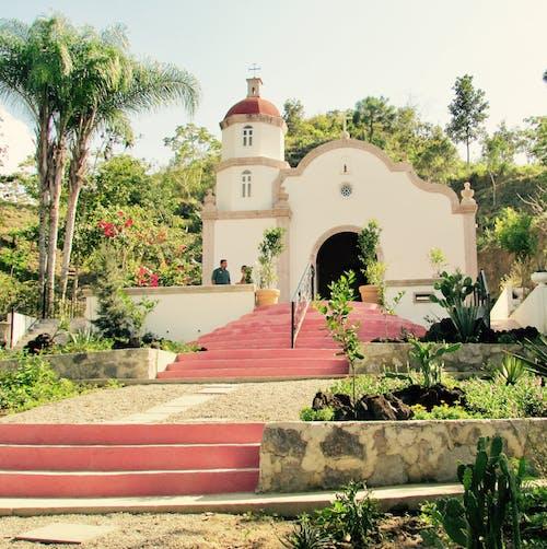 Fotos de stock gratuitas de capilla capilla de estilo español.