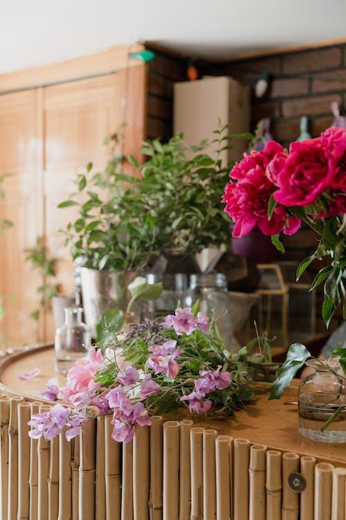Foto profissional grátis de amor, arranjo de flores, buquê