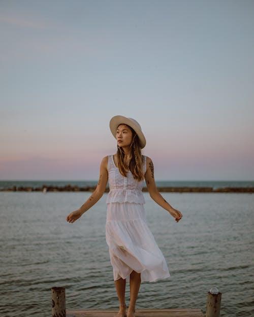 Бесплатное стоковое фото с вода, досуг, женщина