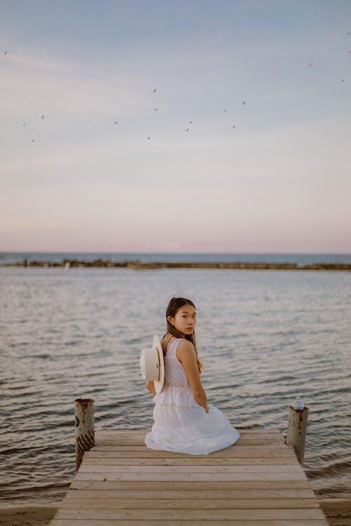 Бесплатное стоковое фото с вода, девочка, девушка