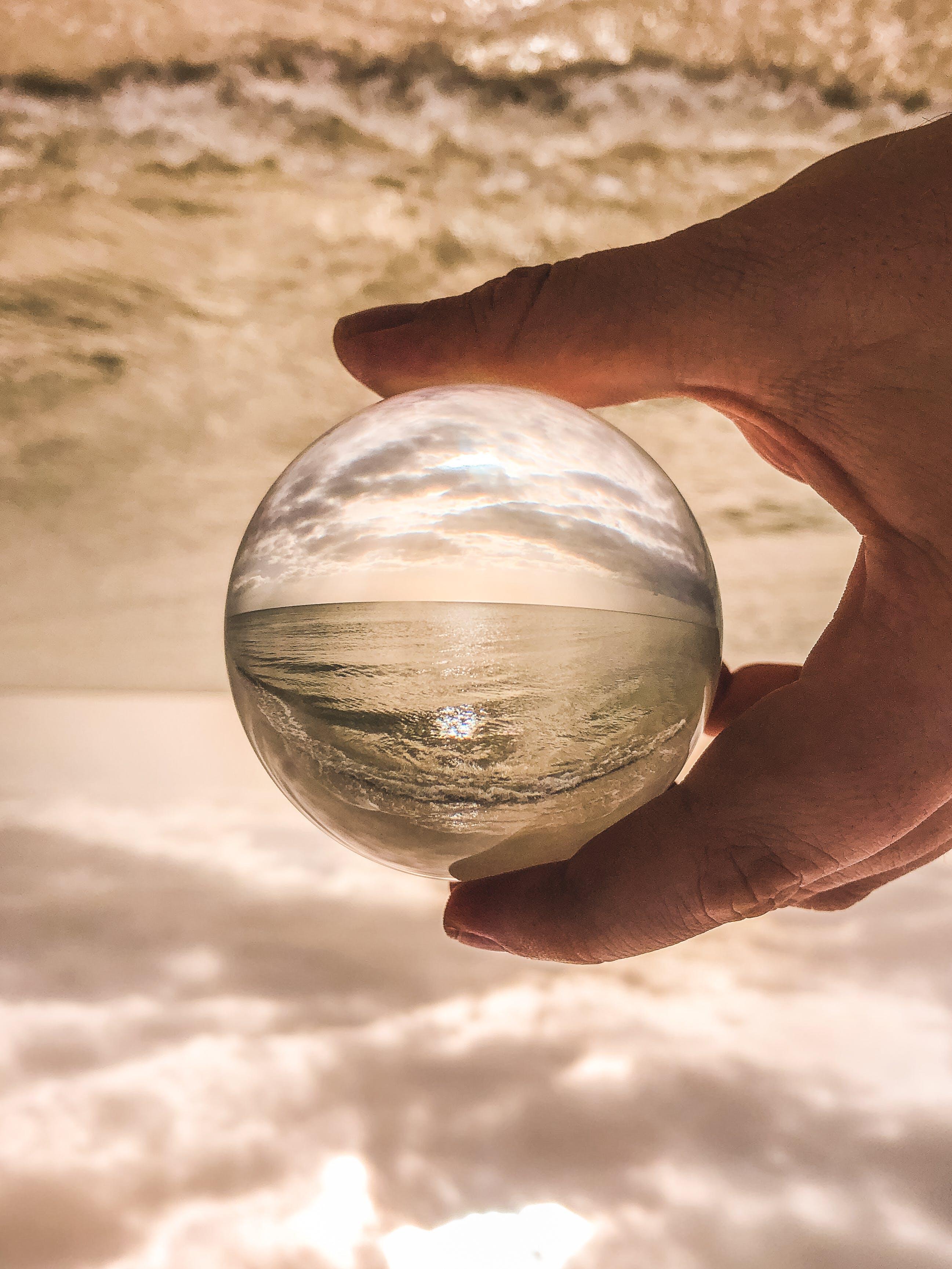Gratis lagerfoto af hånd, hav, makro, sand