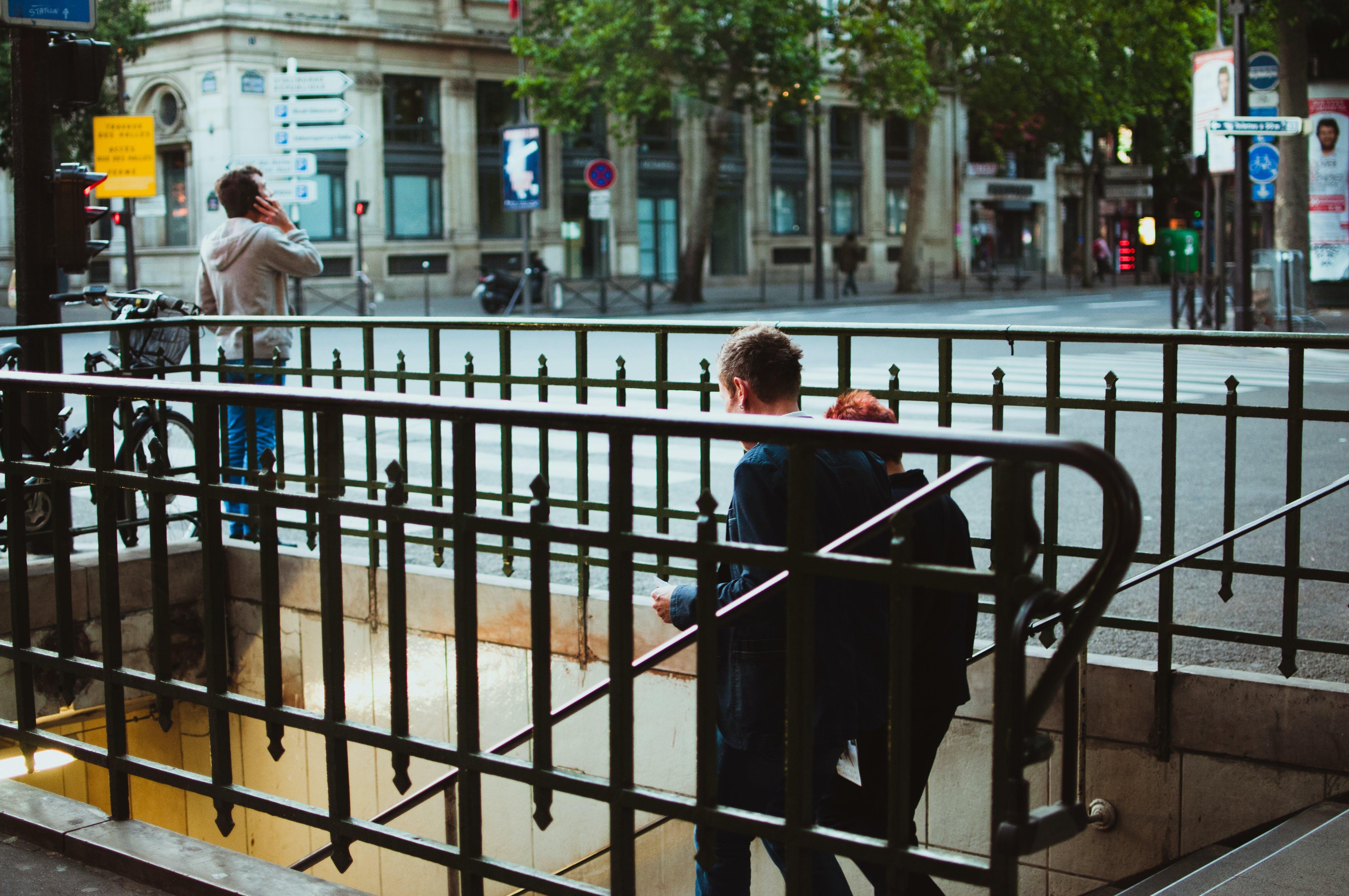 Základová fotografie zdarma na téma chůze, dvojice, lidé, podzemí