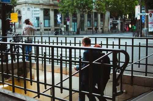 Безкоштовне стокове фото на тему «Вулиця, люди, підземний, пара»