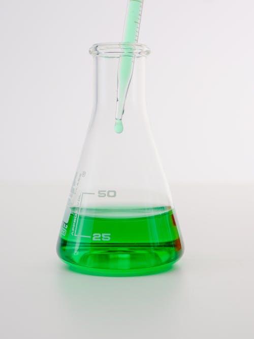 Immagine gratuita di analisi, attrezzature di laboratorio, beuta
