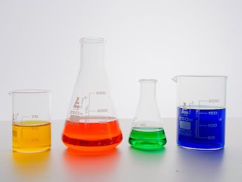 Immagine gratuita di analisi, attrezzature di laboratorio, bicchieri