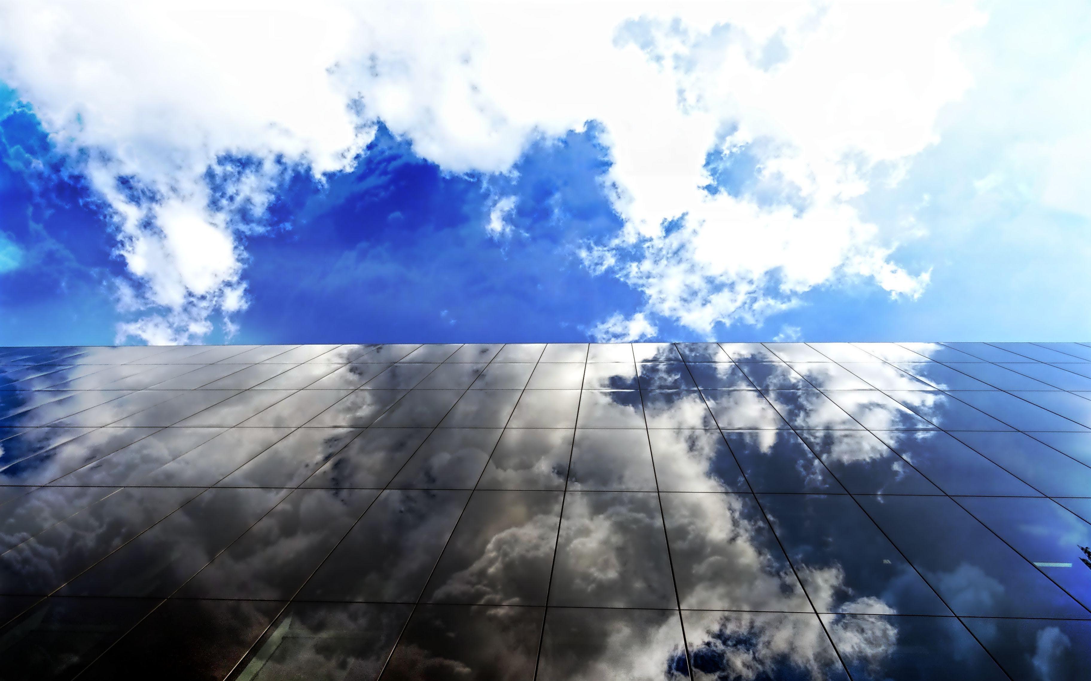 Kostenloses Stock Foto zu glasartikel, glasscheiben, himmel, hoch