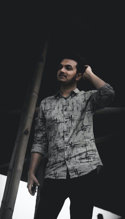 Photos gratuites de garçon, le bangladesh, noir & blanc