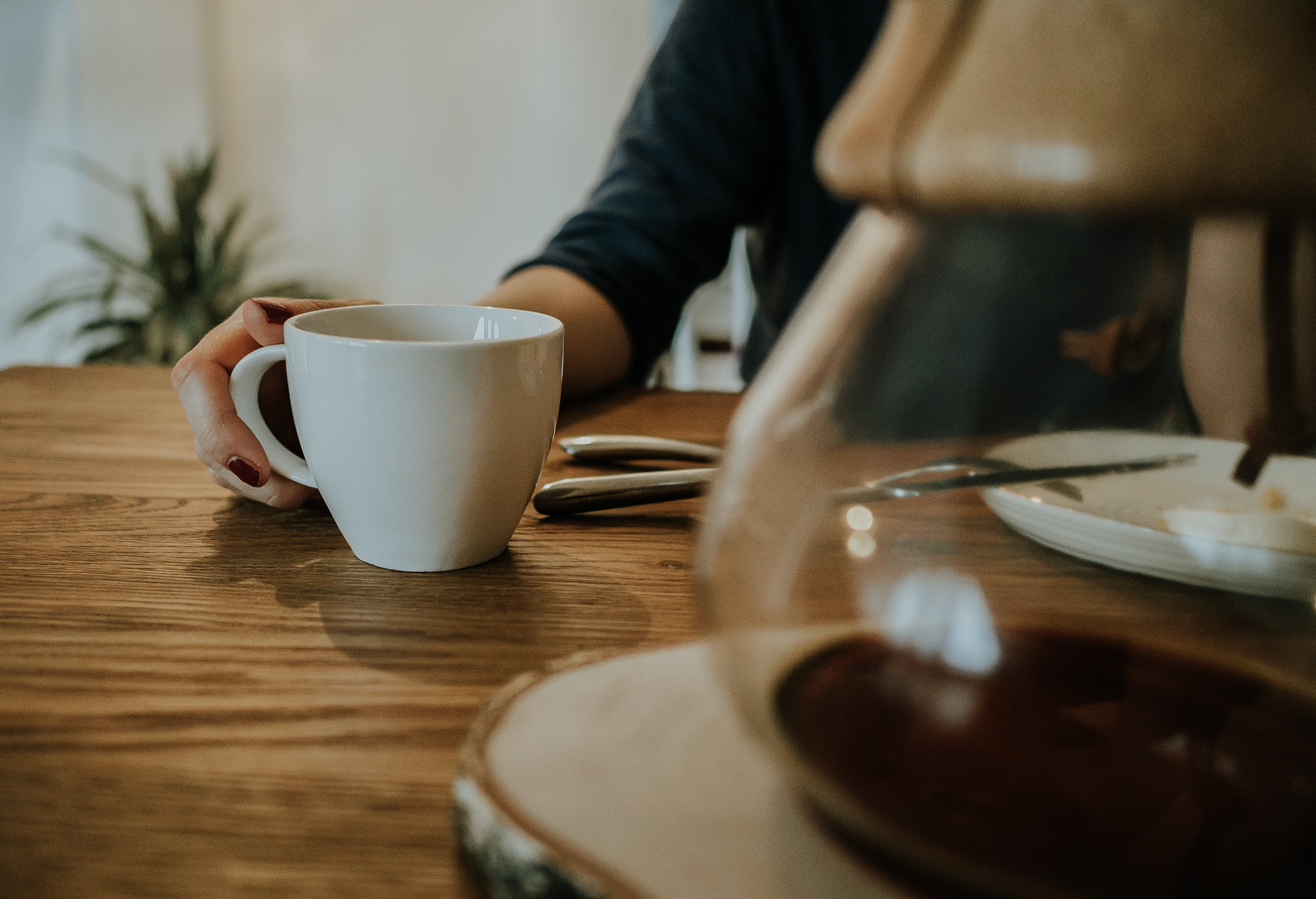 Free stock photo of chemex, coffee, cup, hand