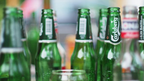 Fotobanka sbezplatnými fotkami na tému pivo, pivová fľaša