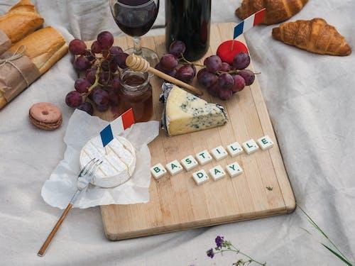 Gratis lagerfoto af bastille dag, brød, camembert