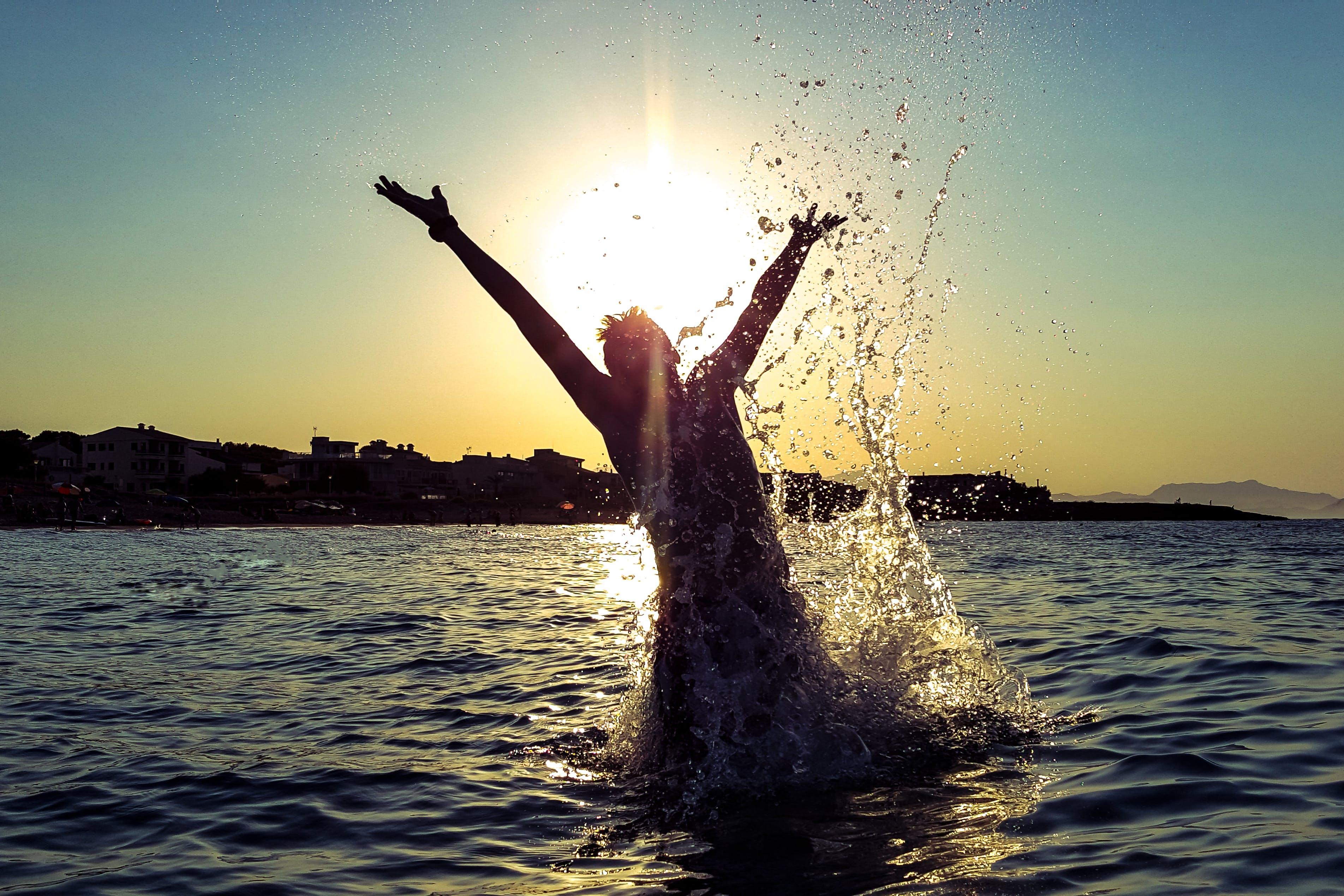 embrace, golden sun, happiness