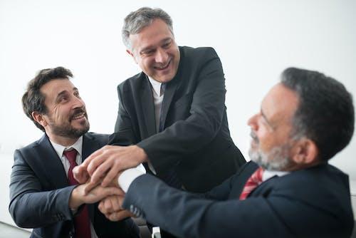 Men Teaming Up for a Job