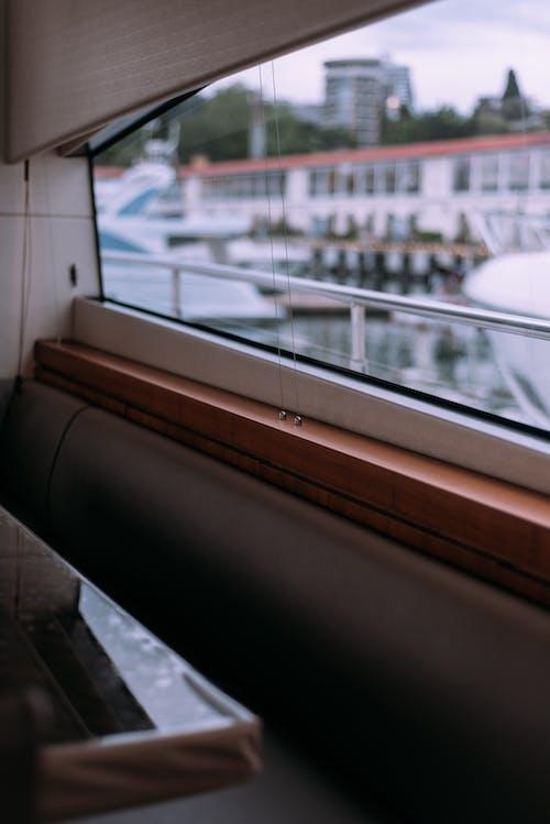 Kostenloses Stock Foto zu architektur, boot, drinnen