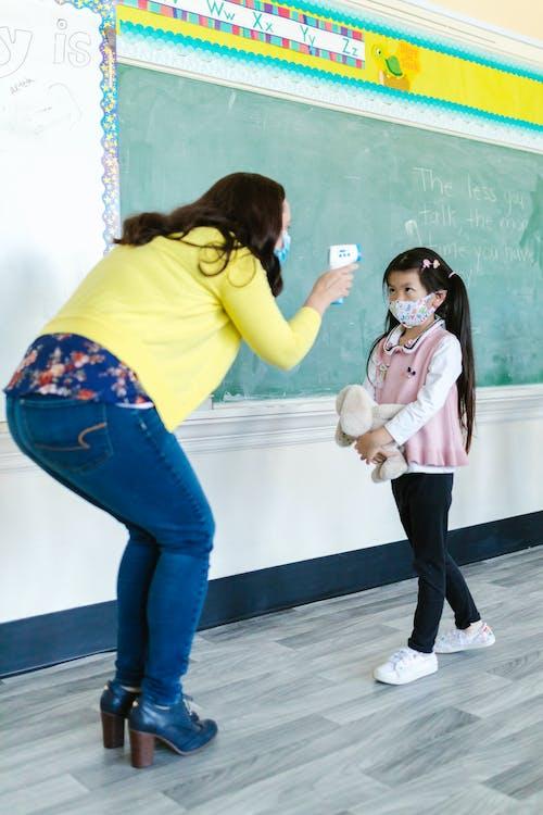 兒童, 垂直, 女孩 的 免费素材图片