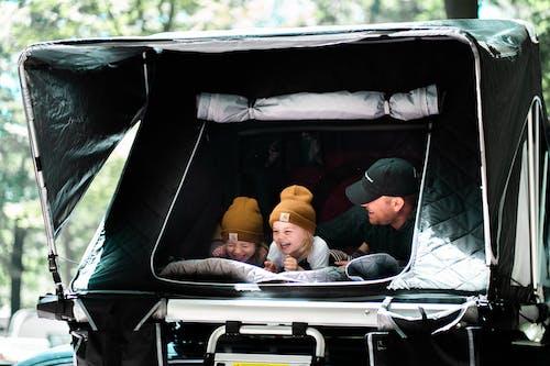Kostenloses Stock Foto zu baby, campen, camping
