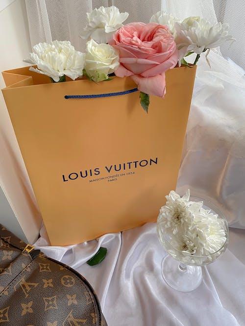 Free stock photo of bouquet, bride, elegant