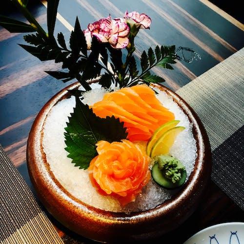 Gratis stockfoto met avondeten, bloemen, bord, close-up