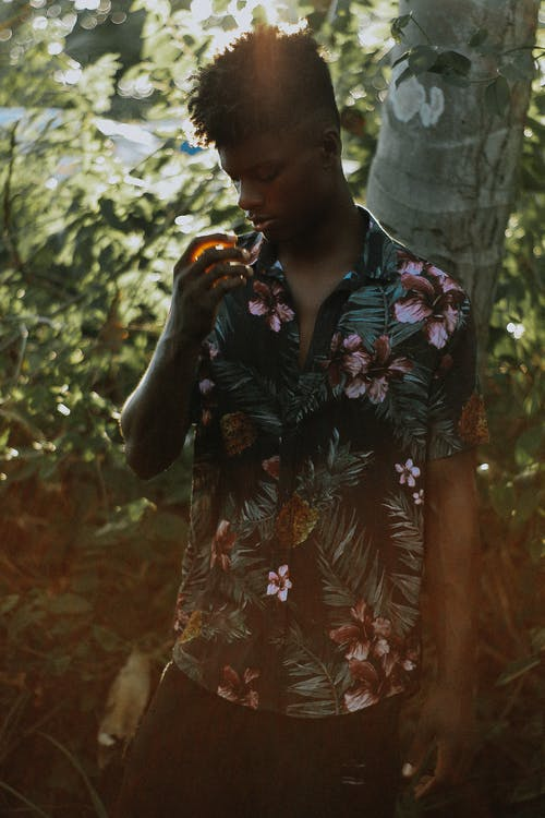 Foto stok gratis belum tua, ekspresi muka, gaun bunga, gaya