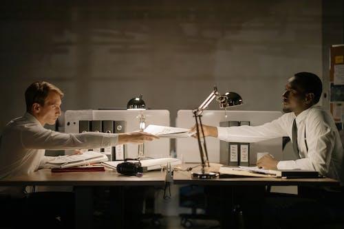 Gratis arkivbilde med arbeide, arbeidsområde, arbeidsplass